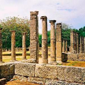 Памятники Олимпии